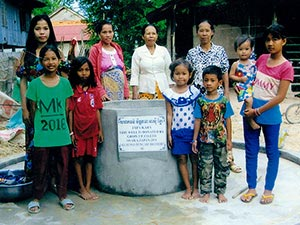 【カンボジア】ドーンケオ郡ロカクラウ地区トラパイン・サラ村