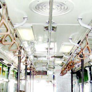 大阪シティバス車内広告写真