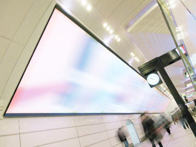 Osaka Metro梅田メトロビジョン写真
